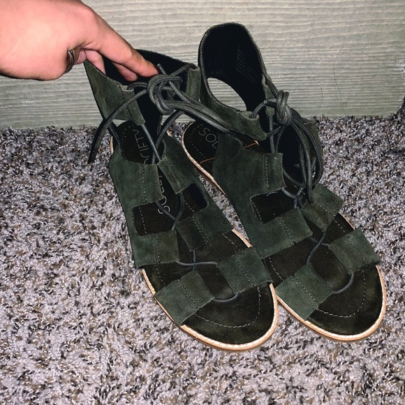 Sole Society Shoes - SOLE SOCIETY Olive Green Suede Sandals SZ 8